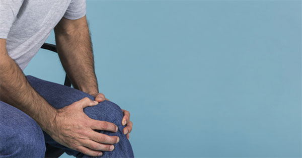 lábfájdalom a térdízületben)