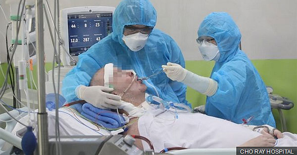Stephen Cameron a Cho Ray Kórházban, lélegeztetőgépen. Kép forrása: Cho Ray Hospital, Saigon