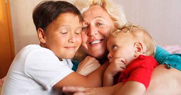 Nagymama unokákkal