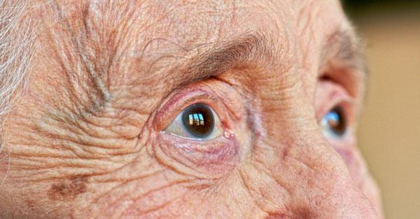 igazi látomás lara croft mi a látás 6 dioptriánál