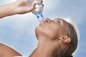 Mennyit és mit igyunk, ha egészségesek akarunk lenni?