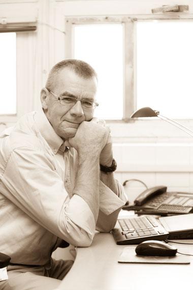 Dr. Mikus Endre
