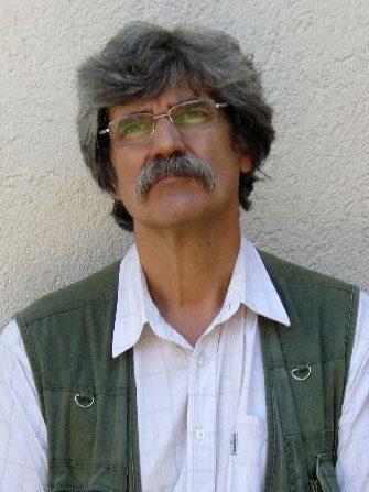 Dr. Ávéd János, a kép forrása: promenad.hu