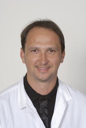Dr. Filiczky István